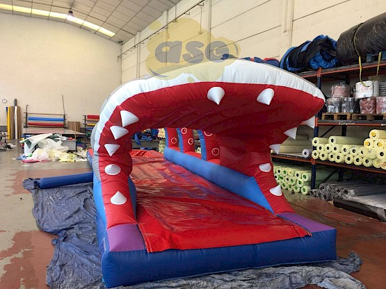 ventreglisse-gonflable-bassin-requin-squale-gonflable-1-asg34 vente location fabrication