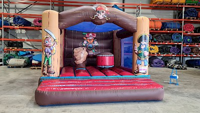 Chateau Gonflable PIRATES 1800.00€ht