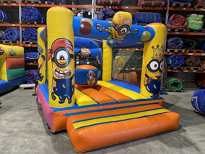 Chateau Gonflable Minions 1300.00€ht